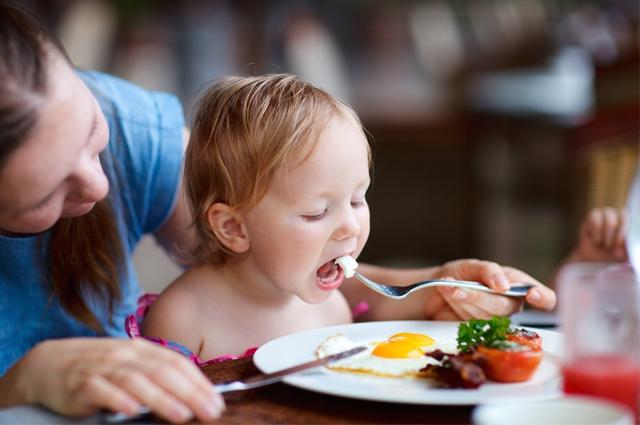 Jaga Pola Makan Anak